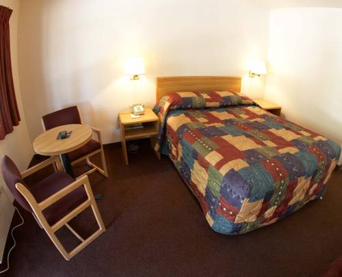 Image of E-Z-8 motel room