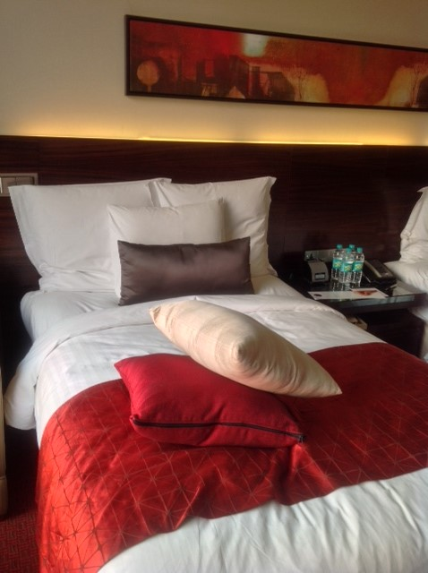 queen bed, JW Marriott