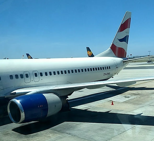 BA operated by comair 737-800